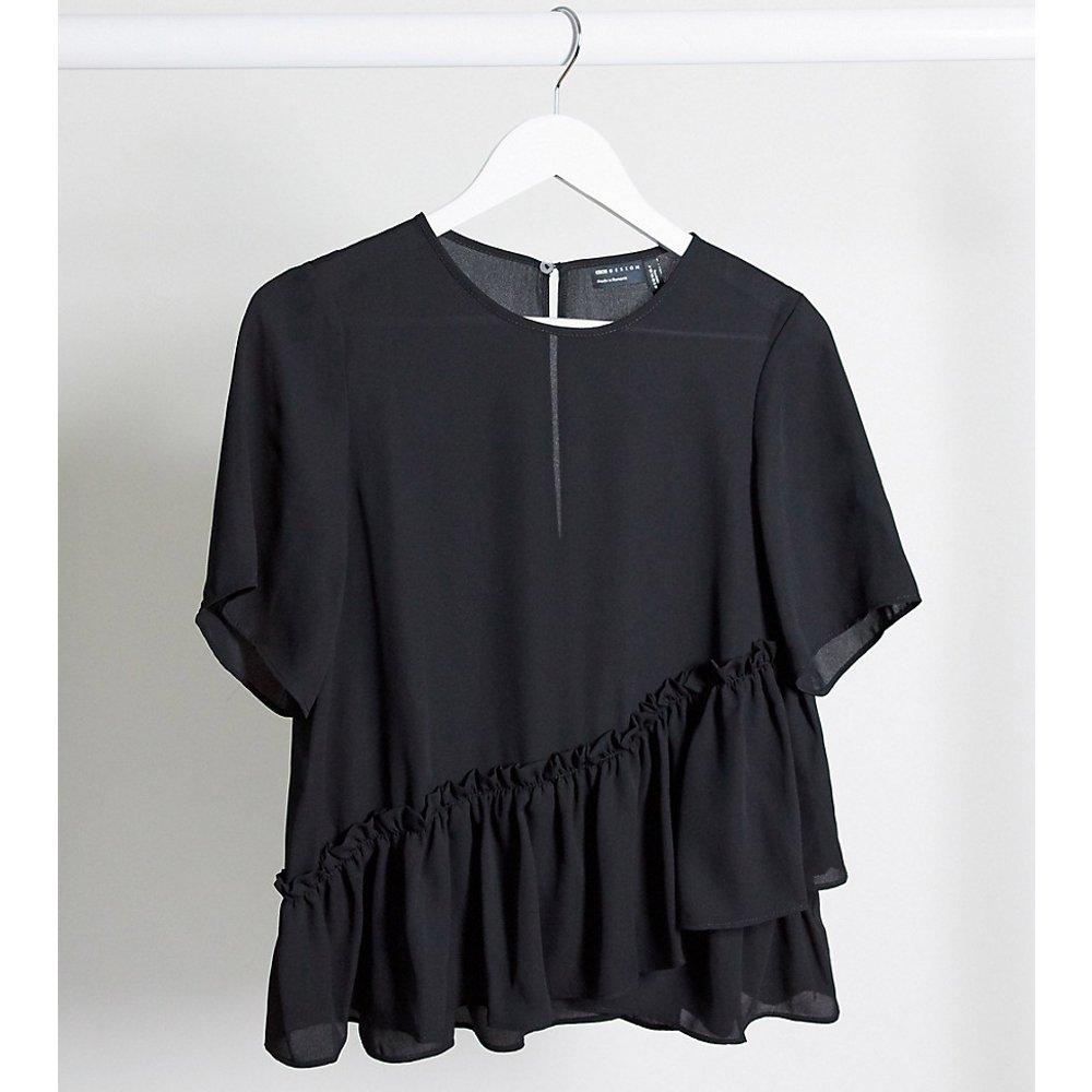 ASOS DESIGN Maternity- T-shirt tissé à ourlet volanté - ASOS Maternity - Modalova