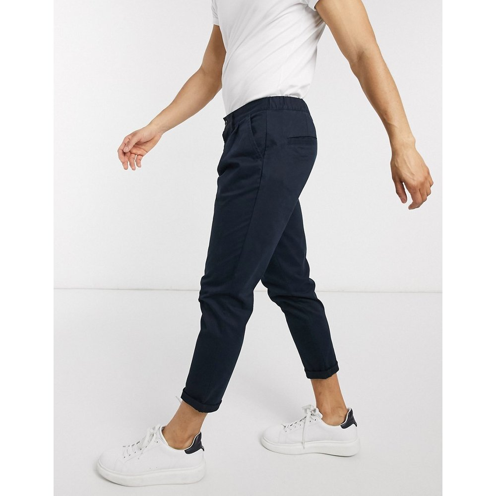Pantalon chino cigarette à pinces - Bleu marine - ASOS DESIGN - Modalova