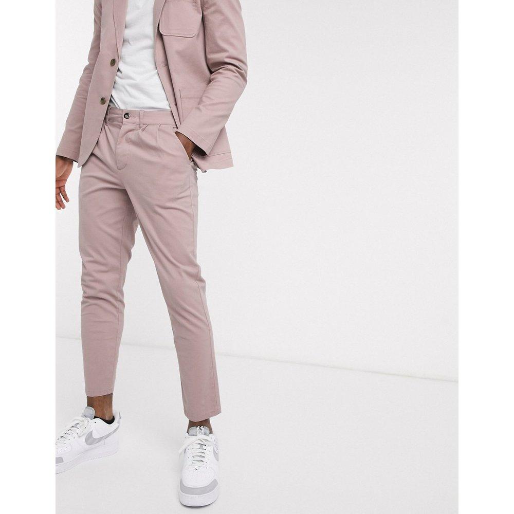 Pantalon chino habillé plissé d'ensemble coupe cigarette - chaud - ASOS DESIGN - Modalova