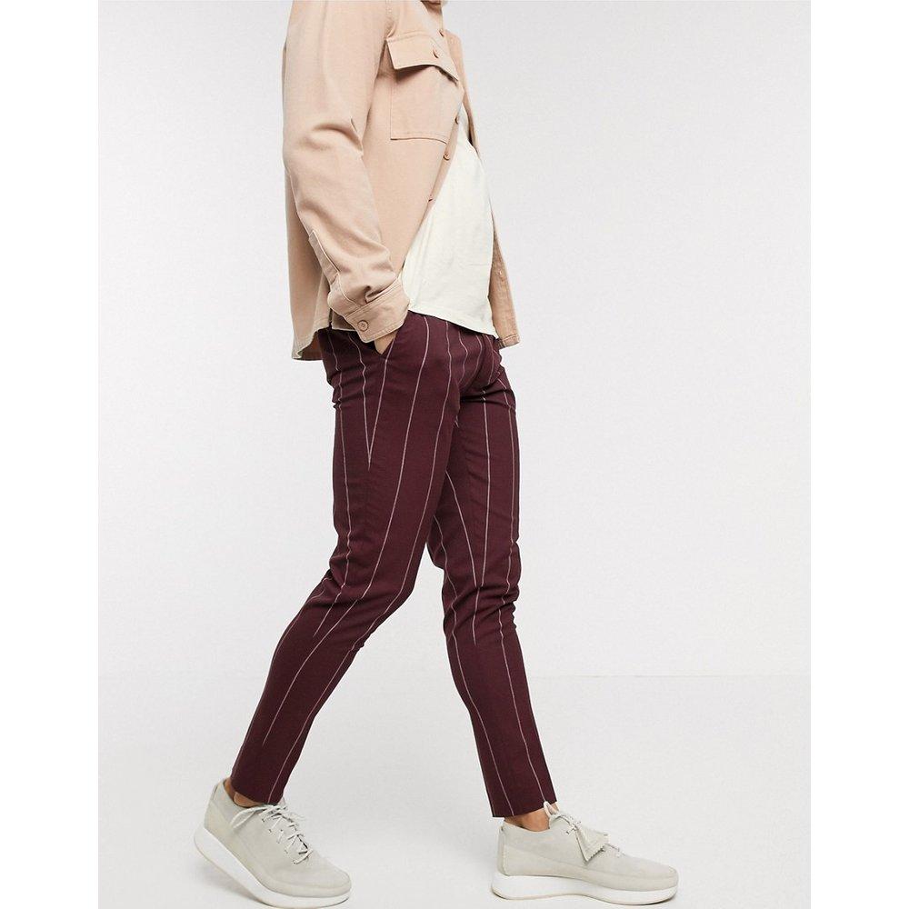 Pantalon habillé ultra ajusté à fines rayures - Bordeaux - ASOS DESIGN - Modalova