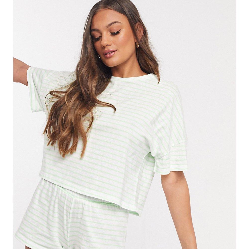 ASOS DESIGN Petite - Ensemble pyjama t-shirt à rayures et short - ASOS Petite - Modalova