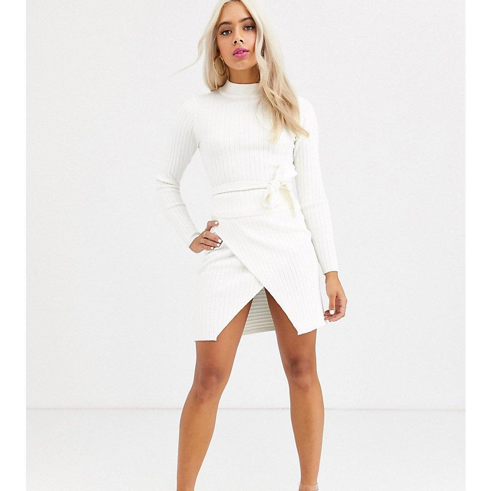 ASOS DESIGN Petite - Mini-jupe côtelée coupe portefeuille (ensemble) - ASOS Petite - Modalova