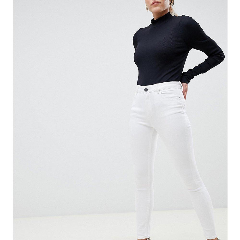 ASOS DESIGN Petite - Ridley - Jean skinny taille haute - nuage - ASOS Petite - Modalova