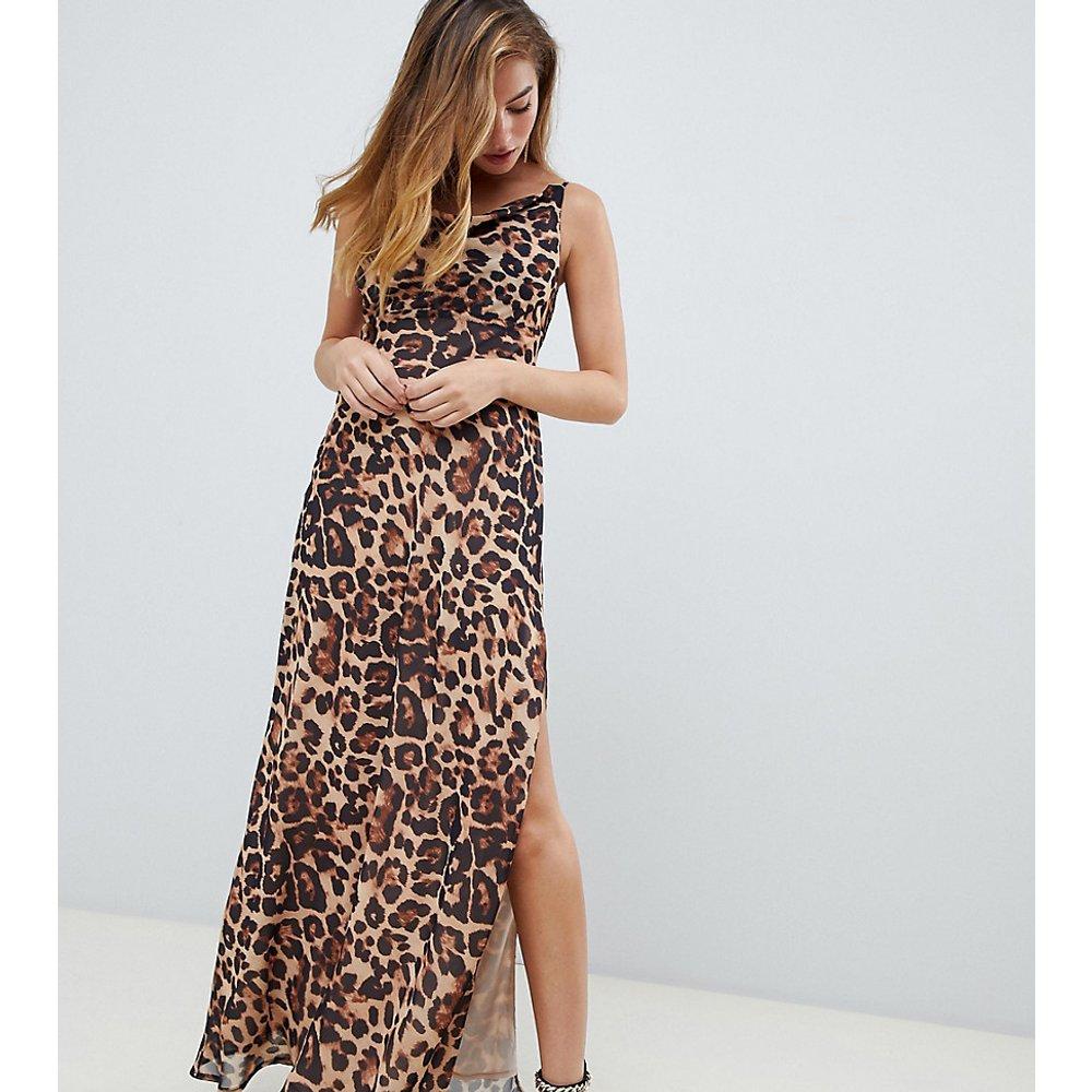 ASOS DESIGN Petite - Robe longue caraco avec imprimé léopard, coupe en biais et encolure drapée - ASOS Petite - Modalova