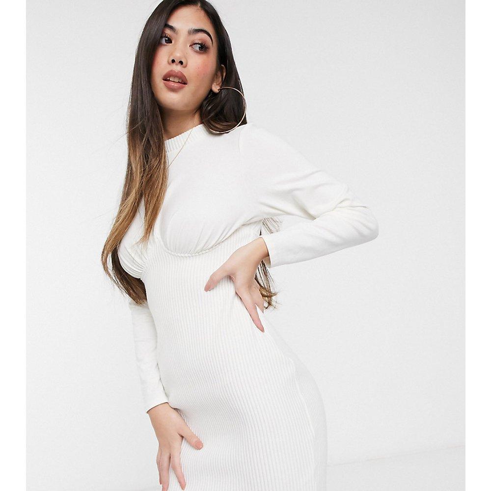 ASOS DESIGN Petite - Robe t-shirt courte côtelée style corset à manches longues - Ivoire - ASOS Petite - Modalova