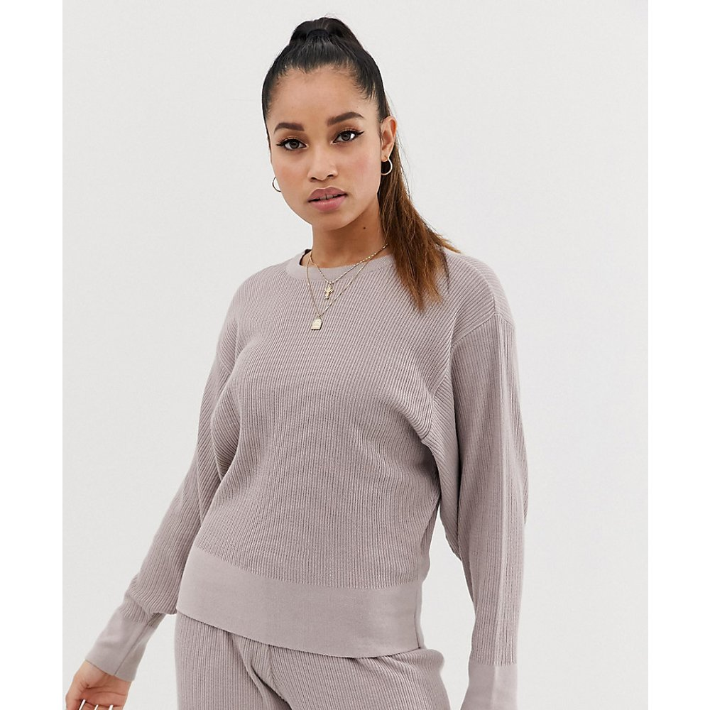 ASOS DESIGN Petite - Sweat-shirt confort en maille de qualité supérieure à manches tombantes - ASOS Petite - Modalova