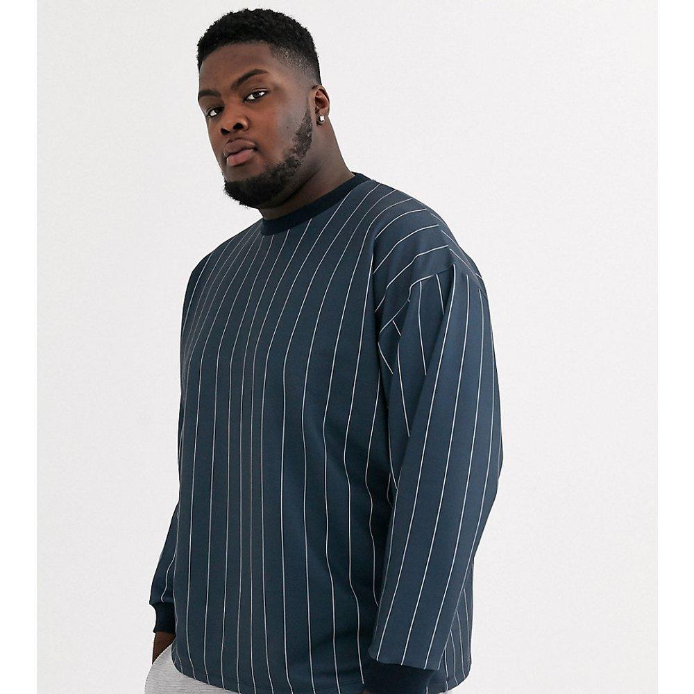 Plus - Sweat-shirt oversize à rayures - Blanc et bleu marine - ASOS DESIGN - Modalova