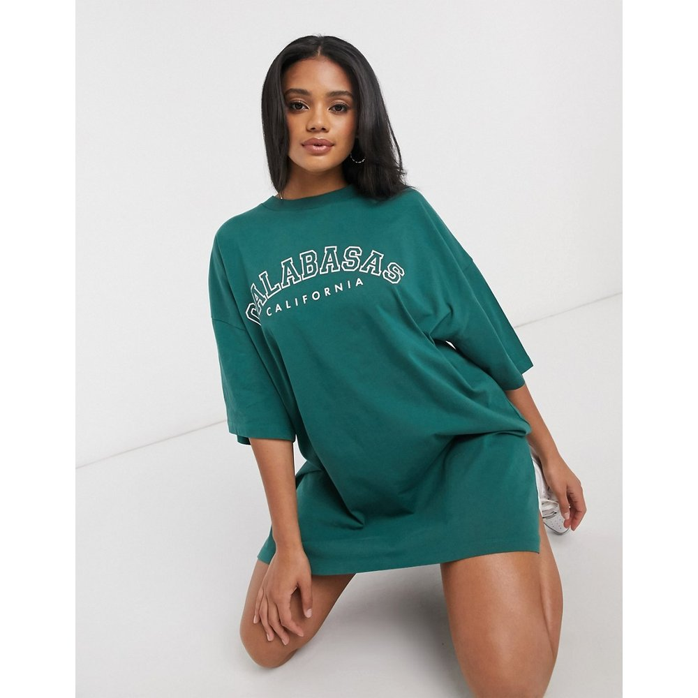 Robe t-shirt oversize à logo Calabasas - sauge - ASOS DESIGN - Modalova