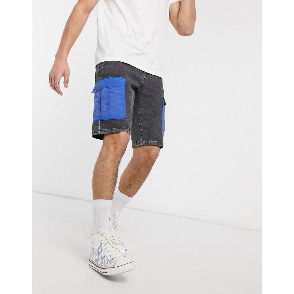 Short en jean avec poches cargo en nylon - délavé - ASOS DESIGN - Modalova