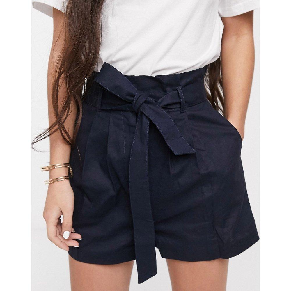 Short en lin avec taille haute froncée et ceinture - ASOS DESIGN - Modalova