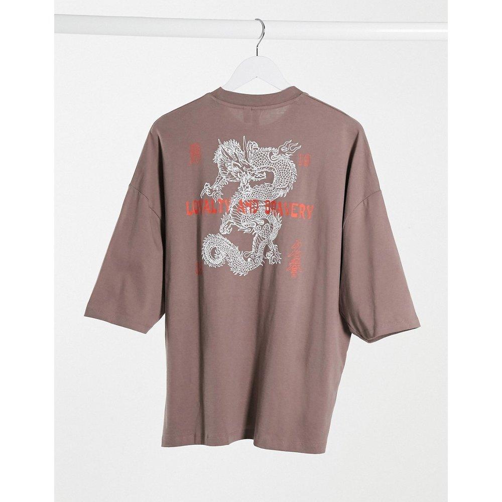 T-shirt oversize à imprimé dragon et texte - Taupe - ASOS DESIGN - Modalova