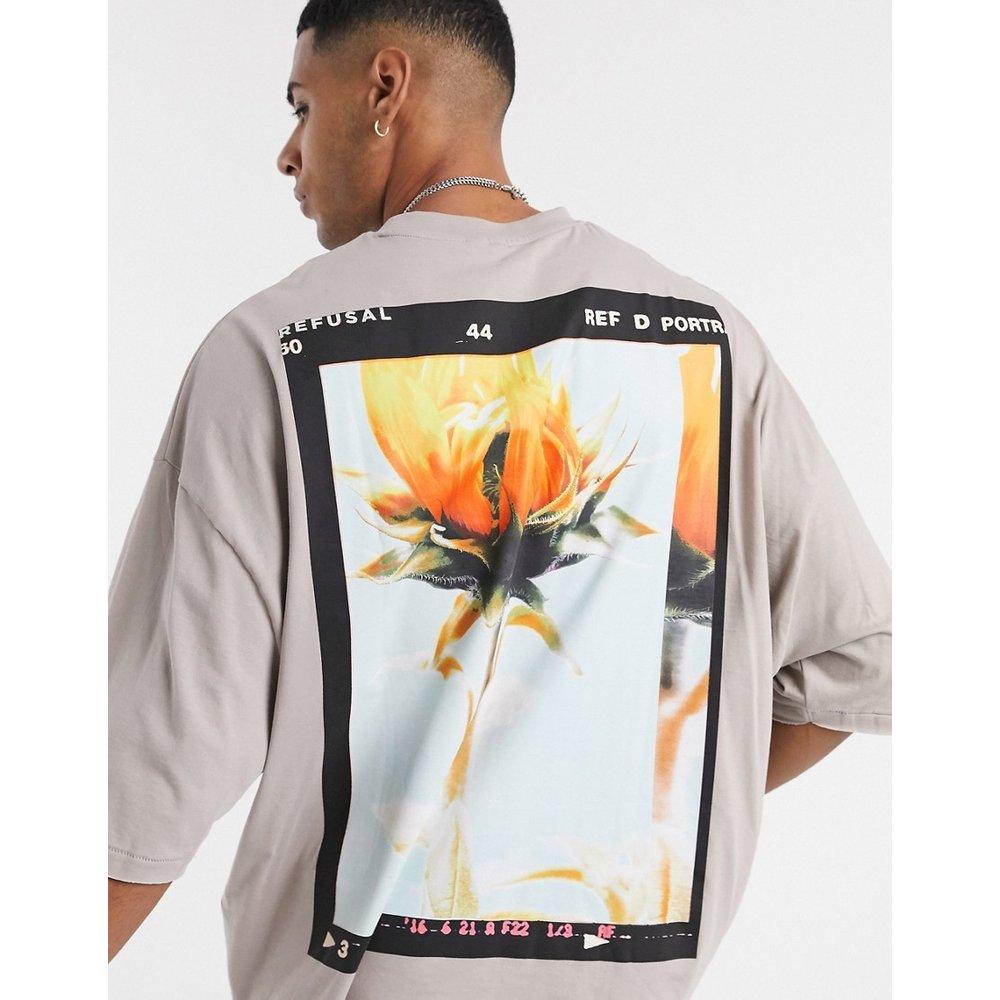 T-shirt oversize avec imprimé floral au dos - Beige foncé - ASOS DESIGN - Modalova