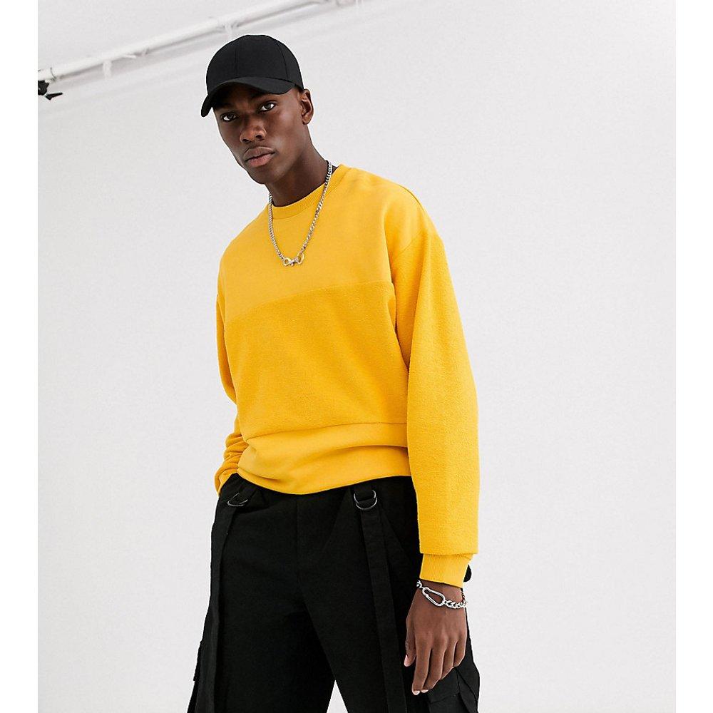Tall - Sweat-shirt oversize avec empiècement effet envers - Moutarde - ASOS DESIGN - Modalova