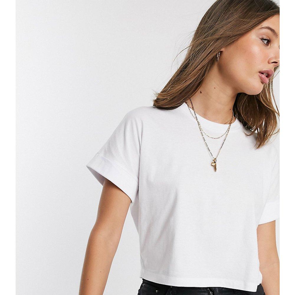 ASOS DESIGN Tall - T-shirt court à manches retroussées - ASOS Tall - Modalova