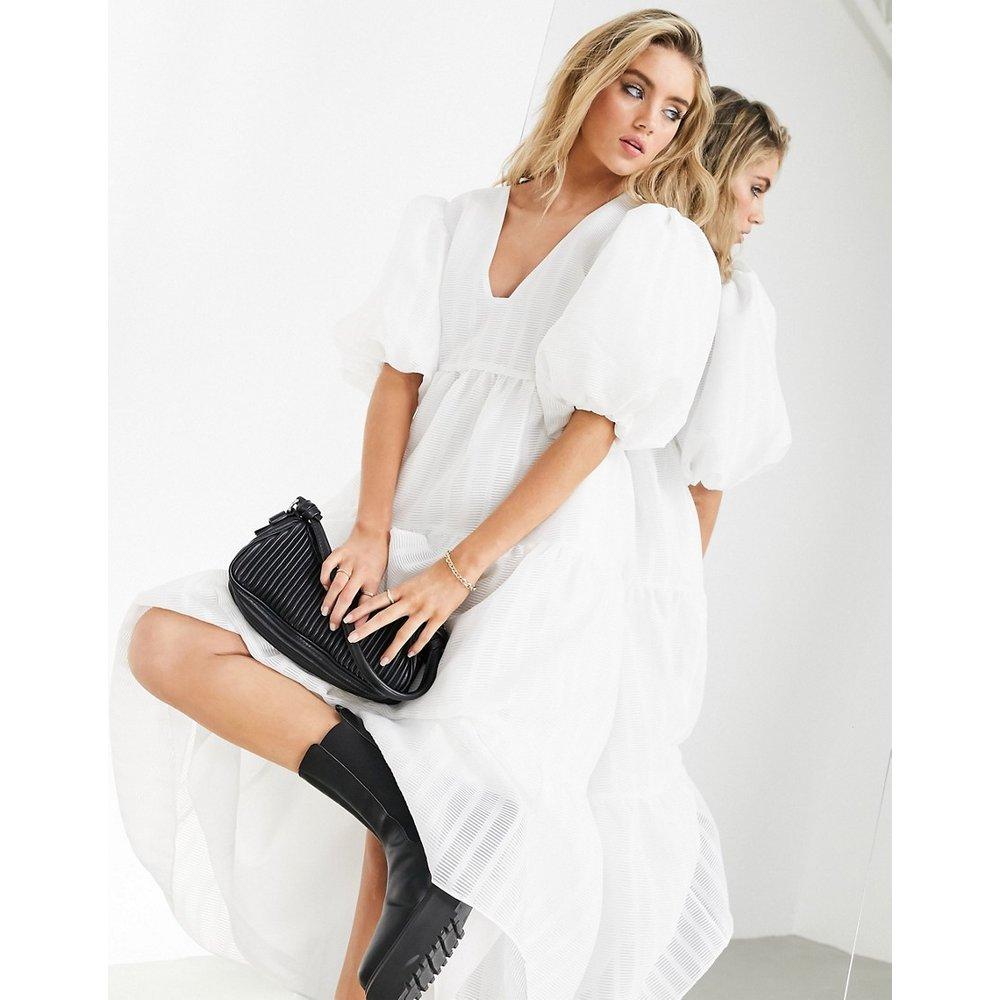 Robe babydoll mi-longue à rayures texturées - ASOS EDITION - Modalova