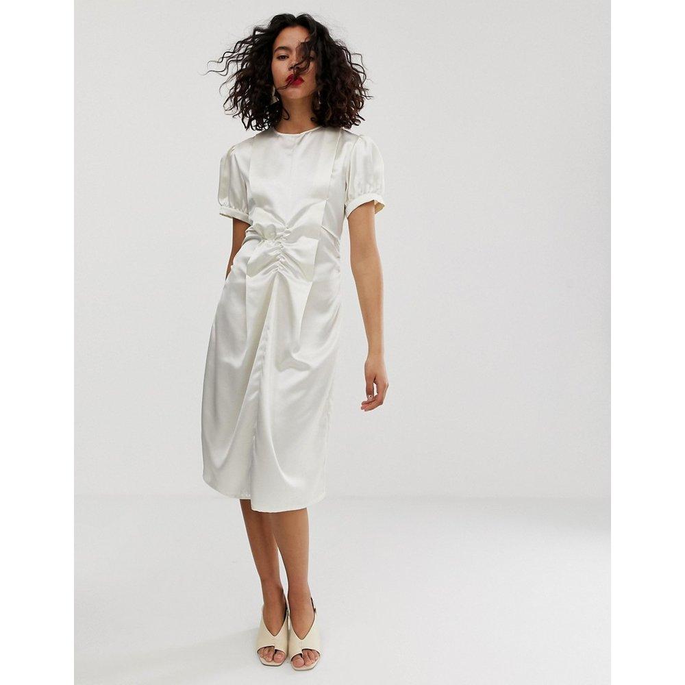 Robe mi-longue froncée en satin - ASOS WHITE - Modalova