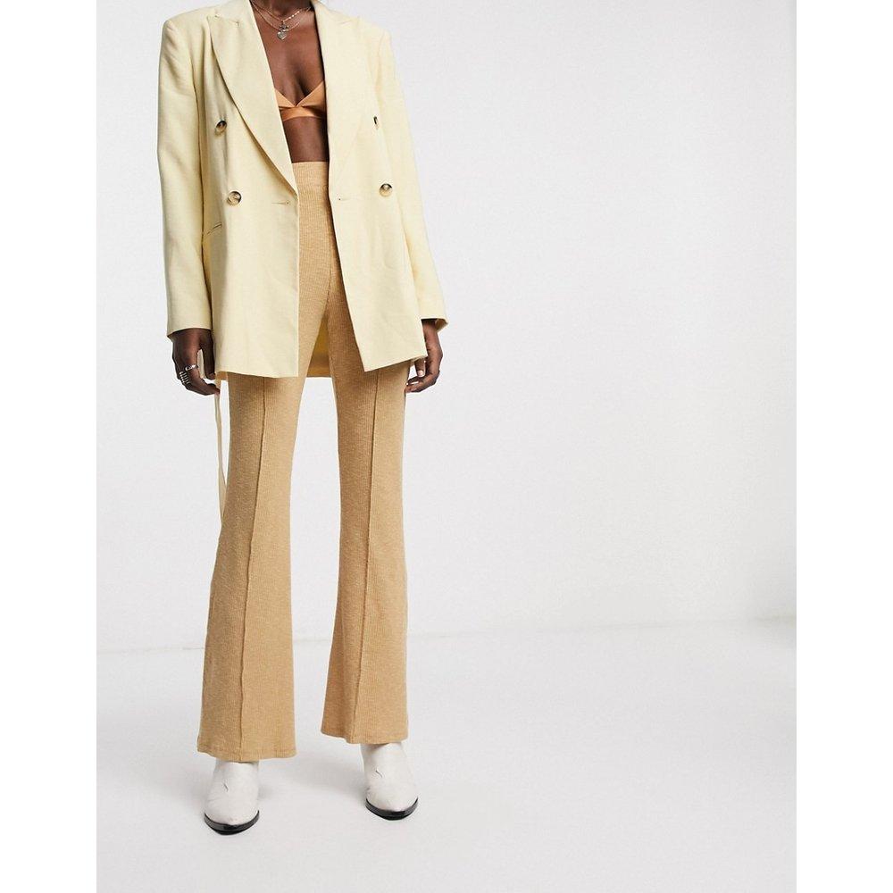 Pantalon côtelé évasé - Fauve - Bershka - Modalova