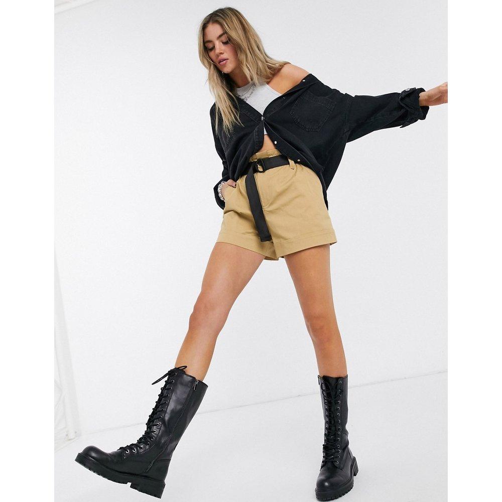 Short fonctionnel avec ceinture - Fauve - Bershka - Modalova
