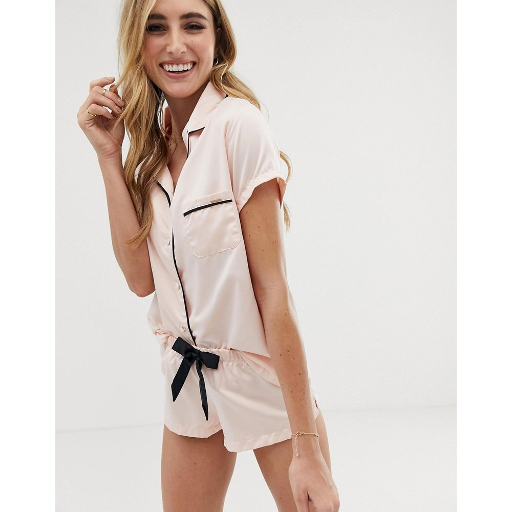 Abigail - Pyjama en satin avec short - Bluebella - Modalova