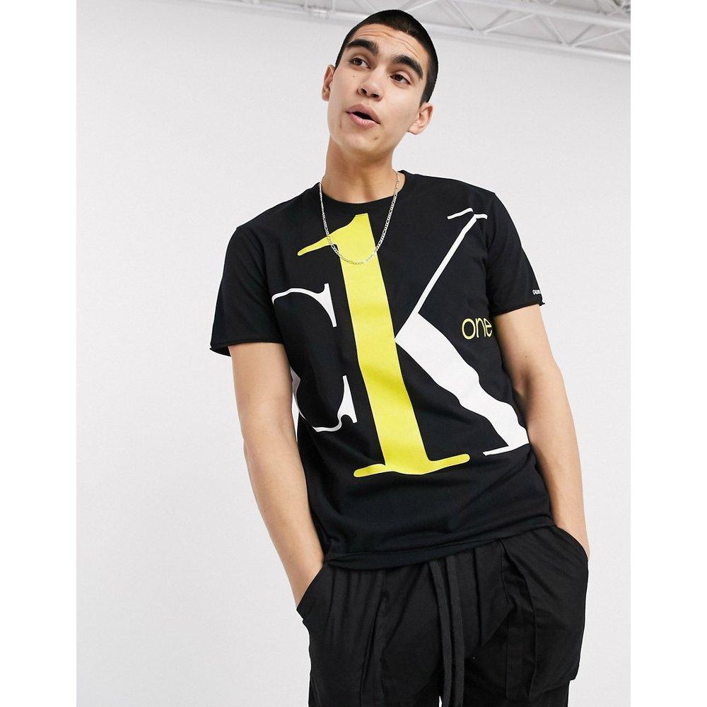 CK1 Capsule - T-shirt à gros logo contrasté - Calvin Klein Jeans - Modalova
