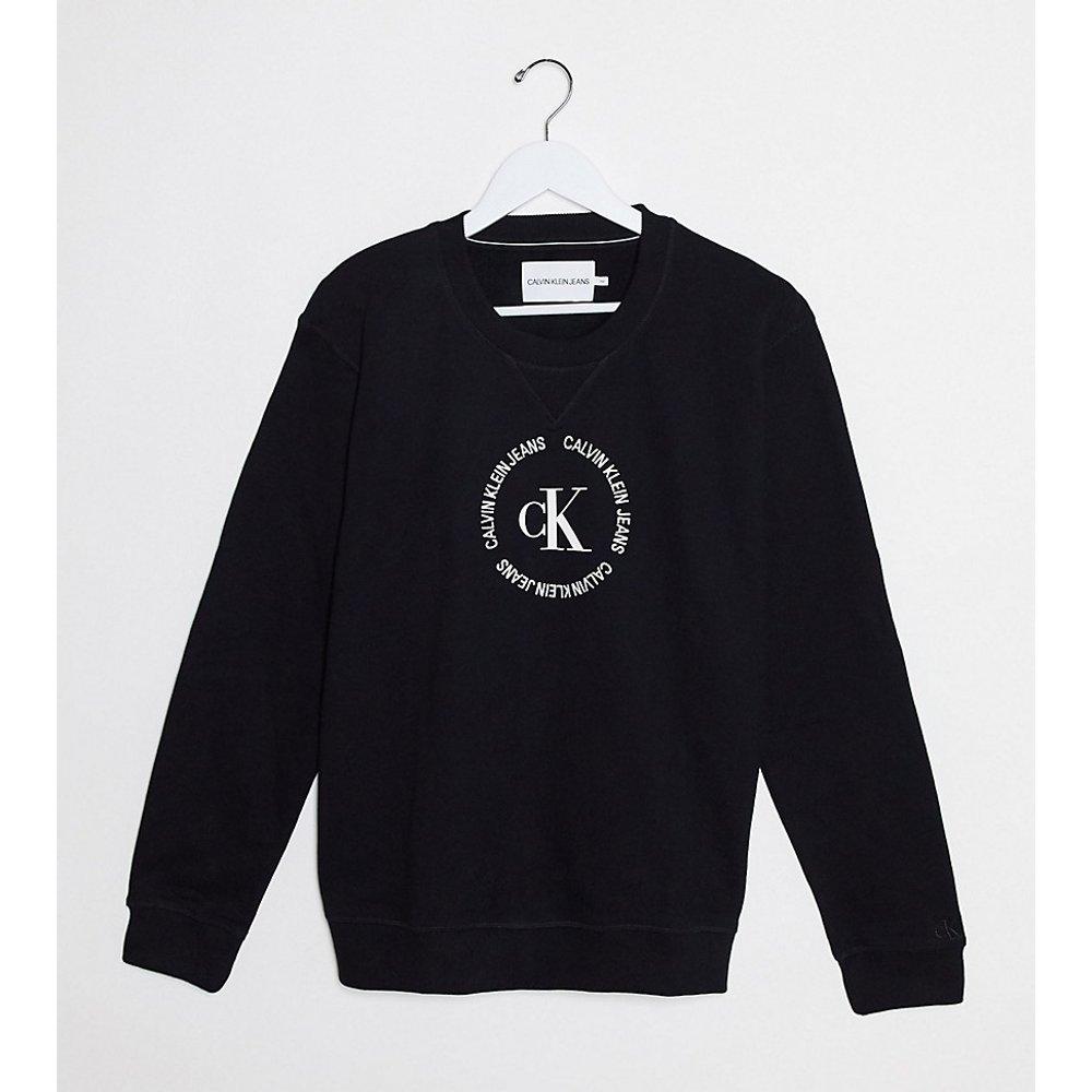 Sweat-shirt ras de cou décontracté avec logo rond - Calvin Klein Jeans Plus - Modalova