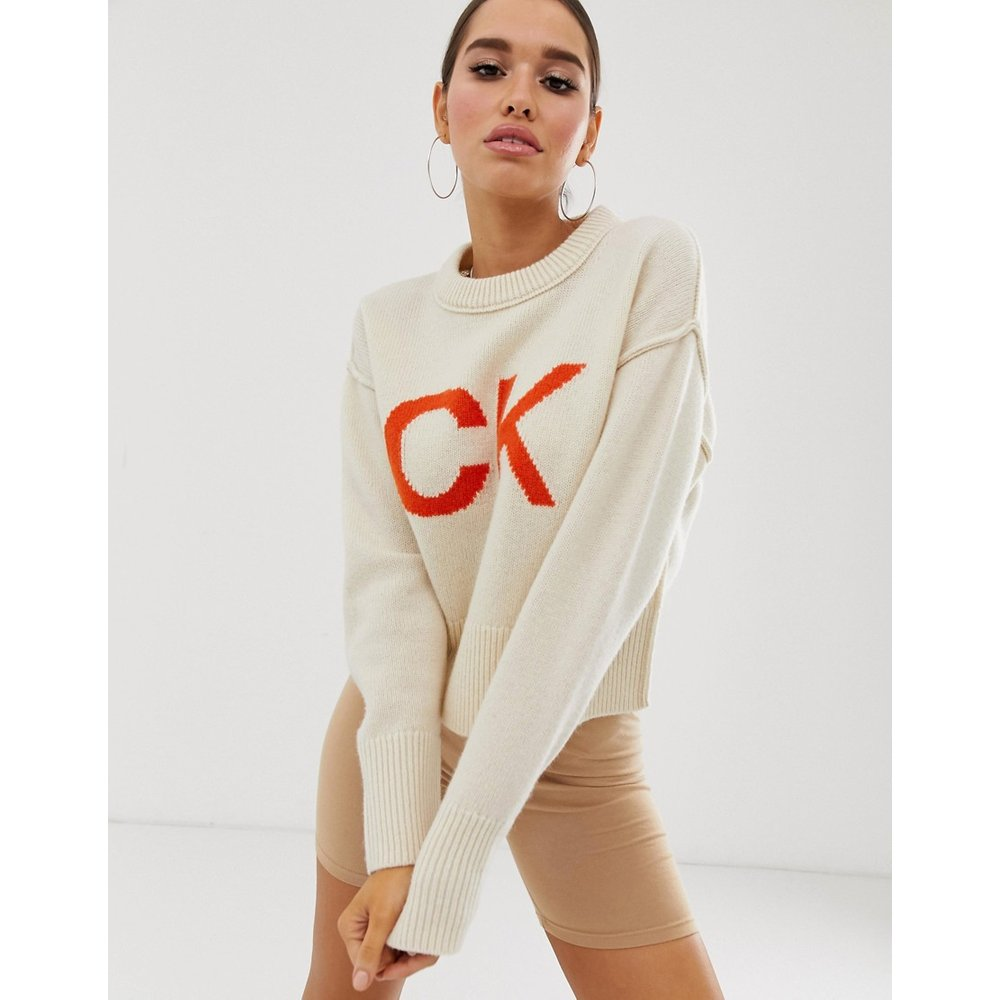Pull en tricot à logo CK - Calvin Klein Jeans - Modalova