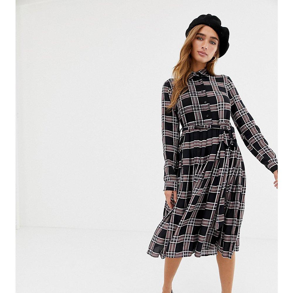 Robe chemise mi-longue à carreaux - Glamorous Petite - Modalova