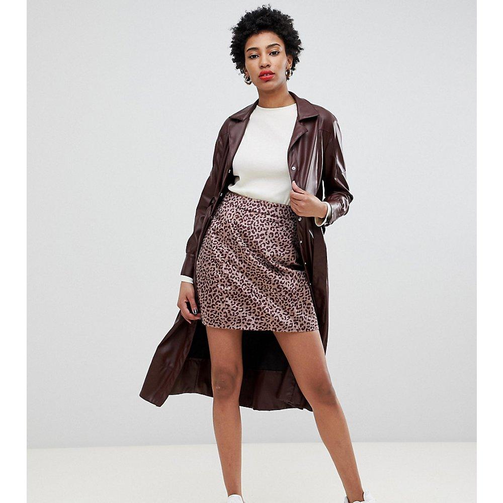 Mini-jupe à imprimé léopard brossé - Glamorous Tall - Modalova