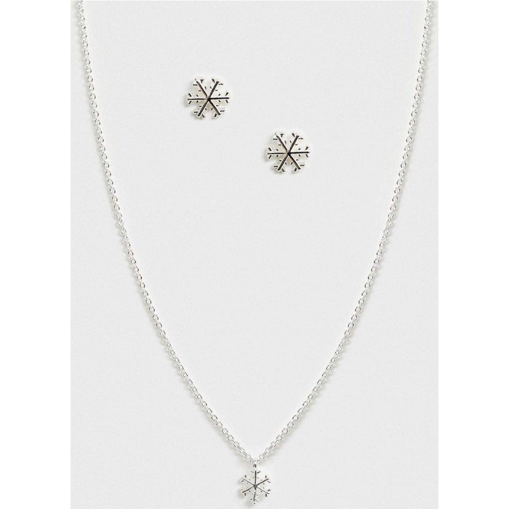 Coffret cadeau de Noël avec boucle d'oreille et collier flocon de neige - Johnny Loves Rosie - Modalova
