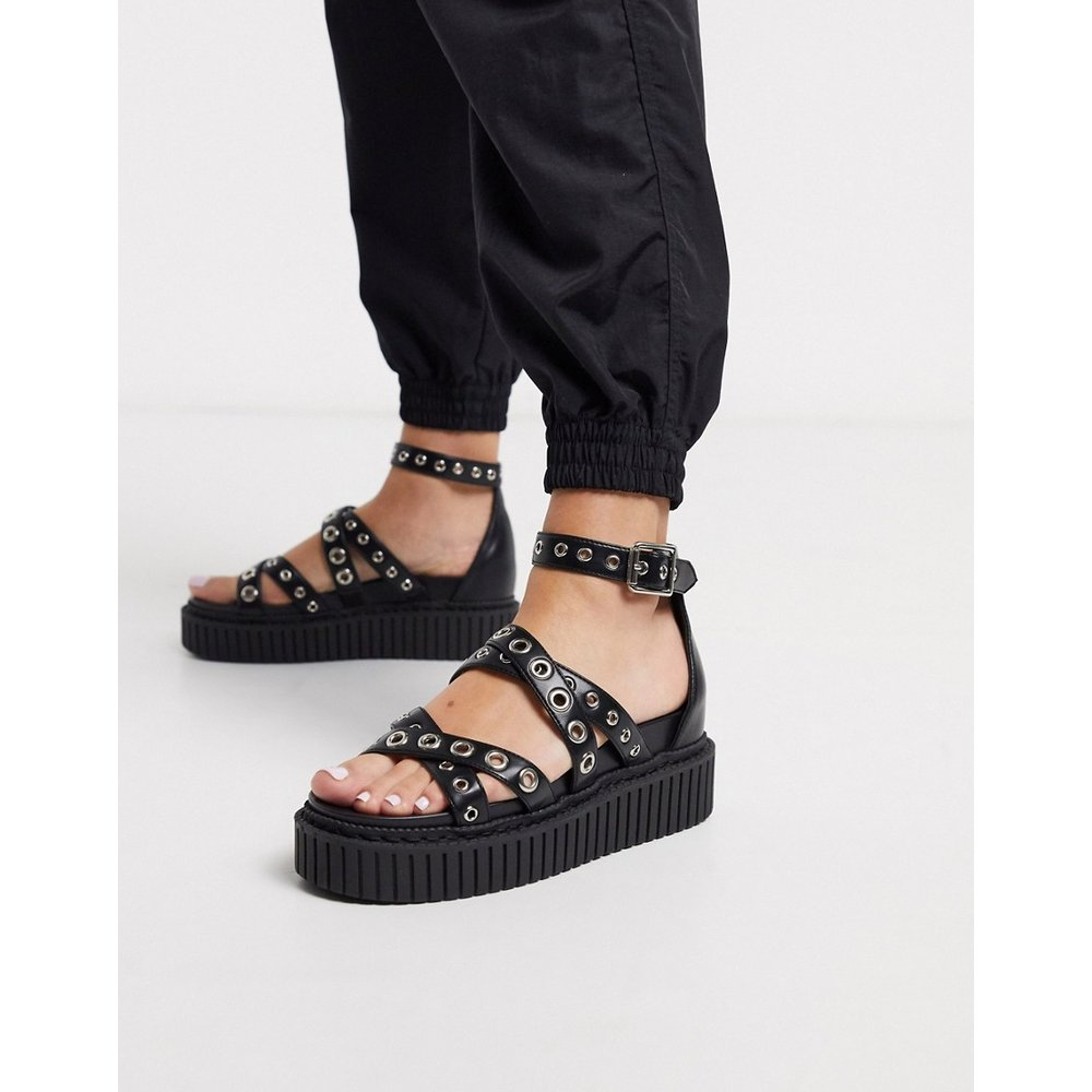 Sandales style creepers à œillets - Lamoda - Modalova