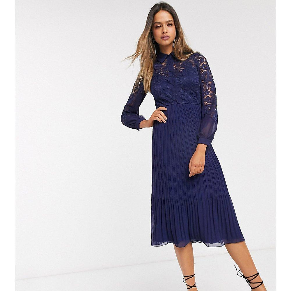 Robe chemise patineuse en dentelle - Bleu marine - Little Mistress Tall - Modalova