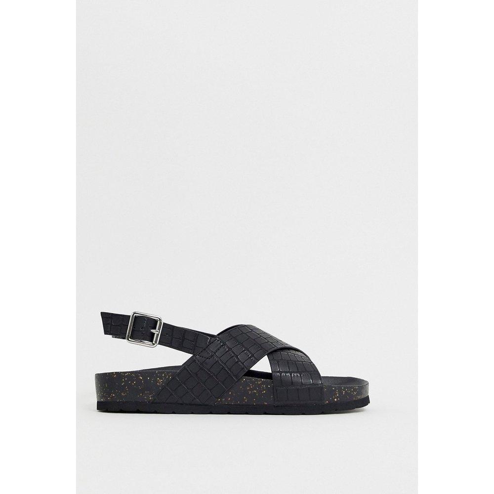 Sandales plates effet croco avec bride arrière - London Rebel - Modalova