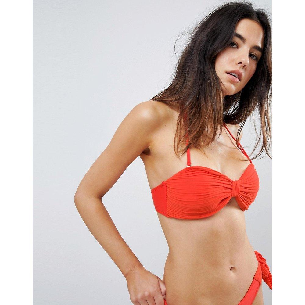 Haut de bikini plissé texturé style bandeau - Lost Ink - Modalova