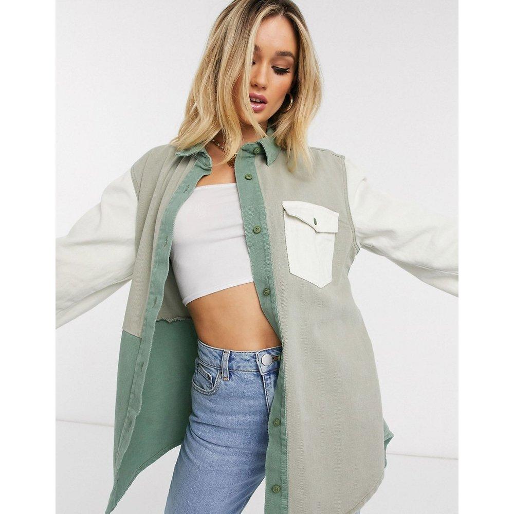 Chemise en jean oversize effet color block - Missguided - Modalova
