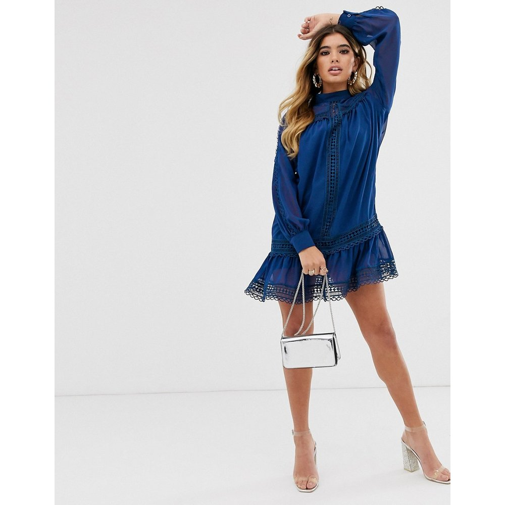 Exclusivité - Robe droite à col montant avec bordures au crochet - Bleu marine - Missguided - Modalova