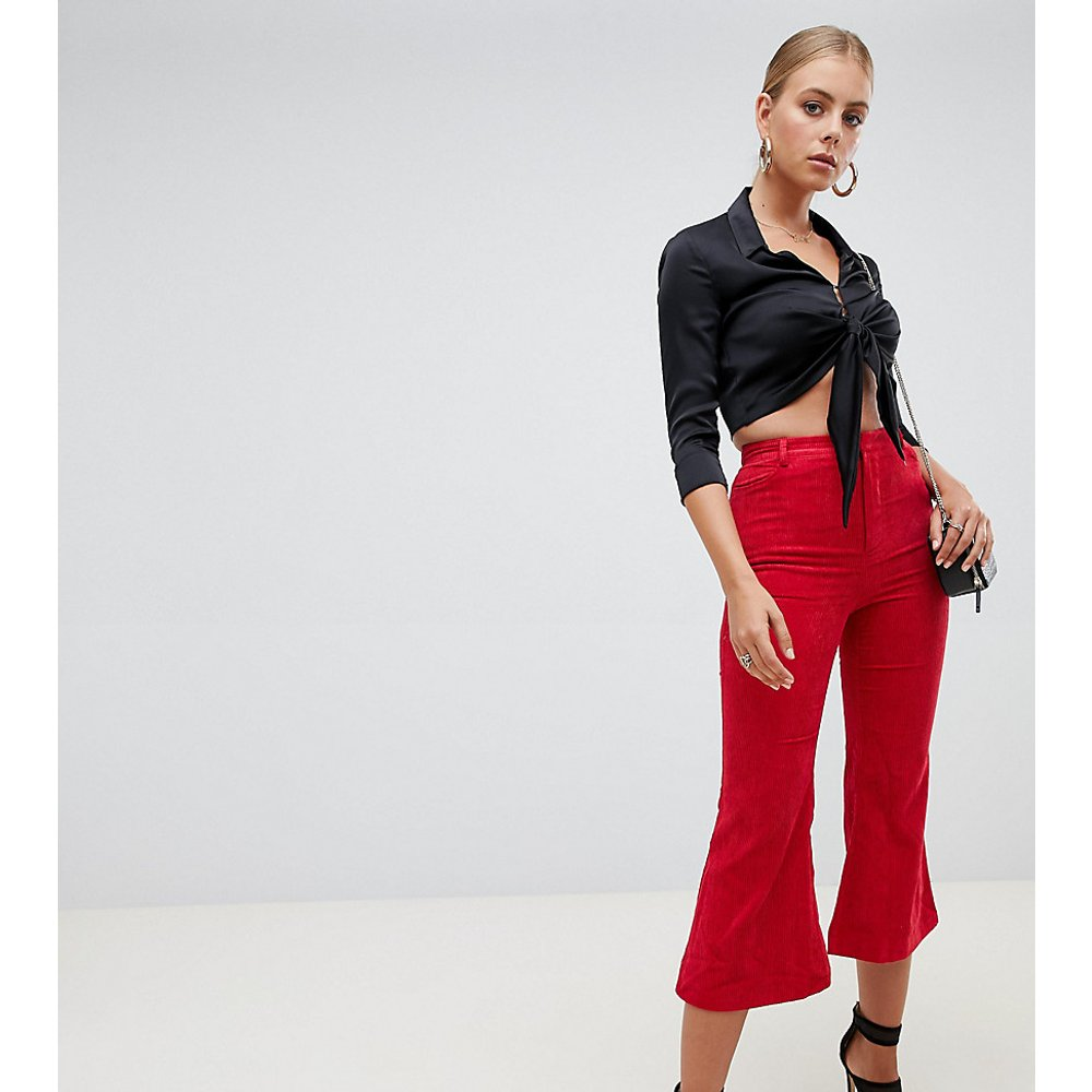 Pantalon évasé en velours côtelé - Missguided - Modalova