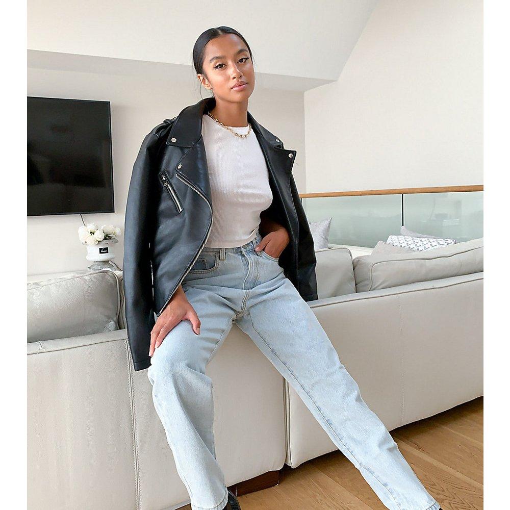 Riot - Jean mom taille haute en jean recyclé - Missguided Petite - Modalova