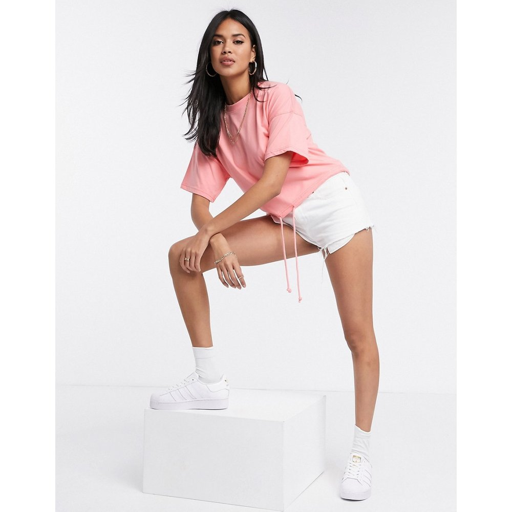 T-shirt crop top à ourlet boule - Corail - Missguided - Modalova