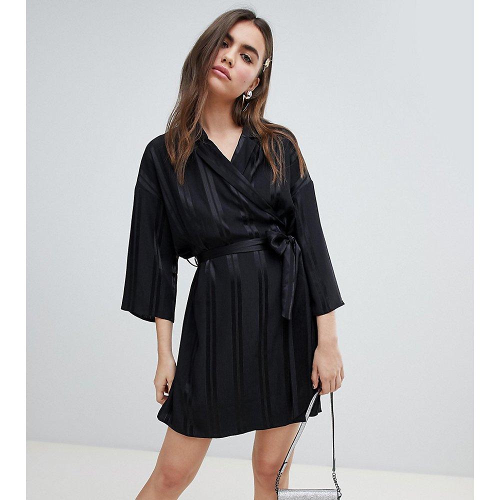 Robe cache-cœur avec ceinture - Monki - Modalova