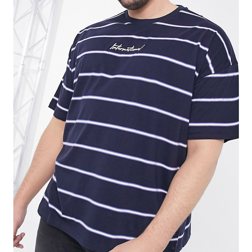 Plus - International - T-shirt à rayures - Bleu marine - New Look - Modalova