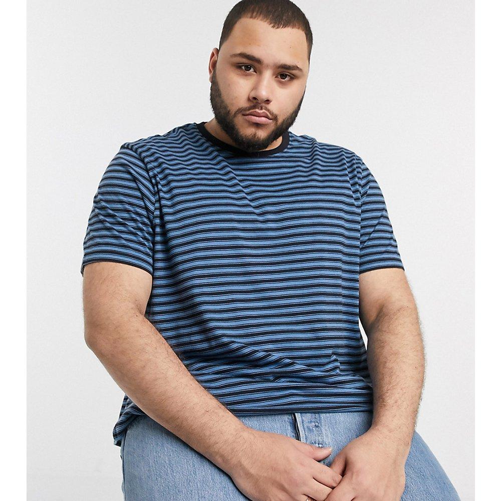 PLUS - T-shirt à rayures court - Bleu - New Look - Modalova