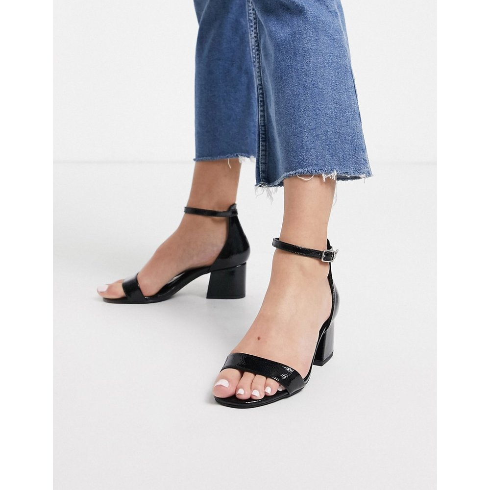 Sandales imitation cuir à effet froissé - New Look - Modalova