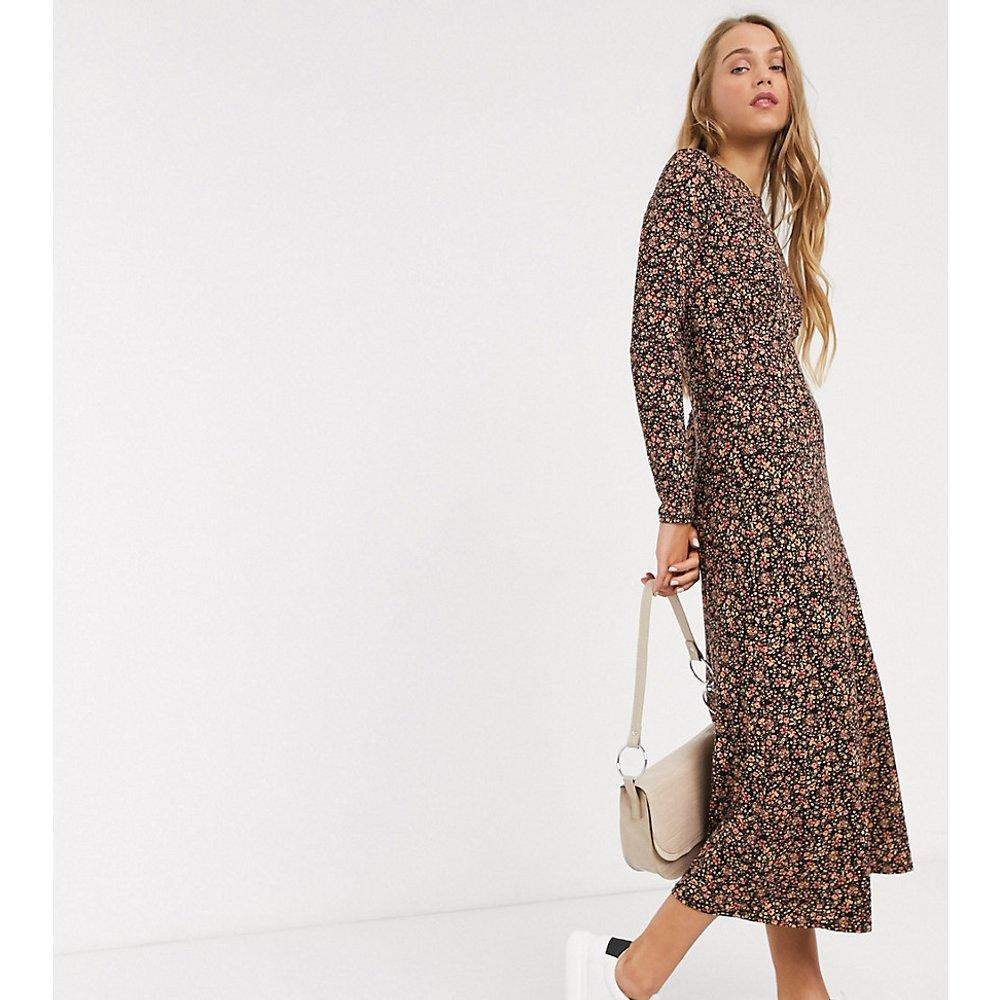 Robe mi-longue à fleurs - New Look Tall - Modalova