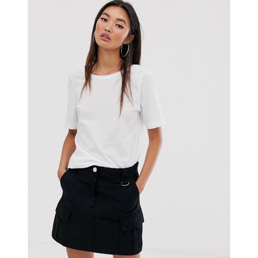 Dring - T-shirt crop top à manches courtes - Noisy May - Modalova