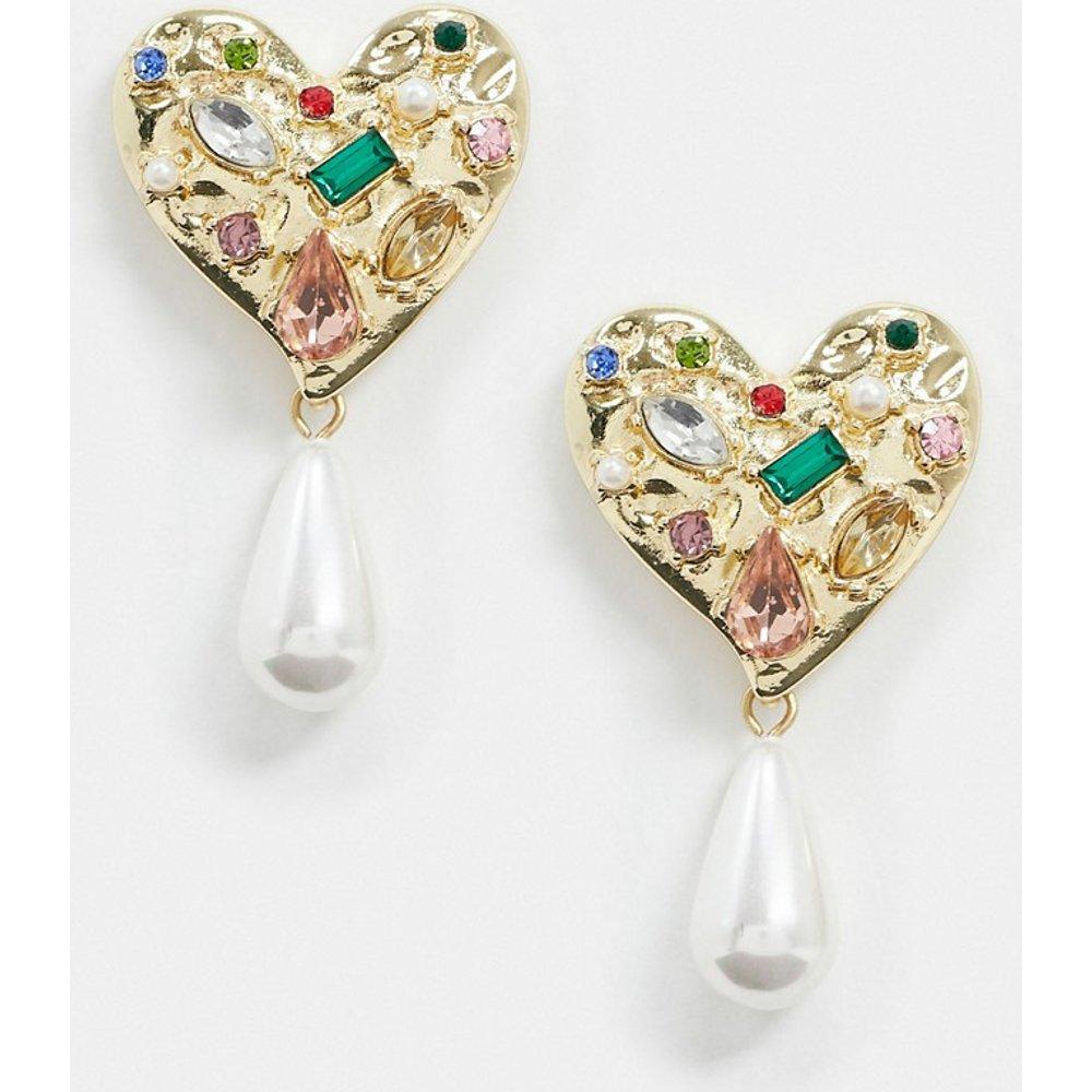 Boucles d'oreilles en forme de cœurs avec pendants à perles et strass en métal martelé - Pieces - Modalova