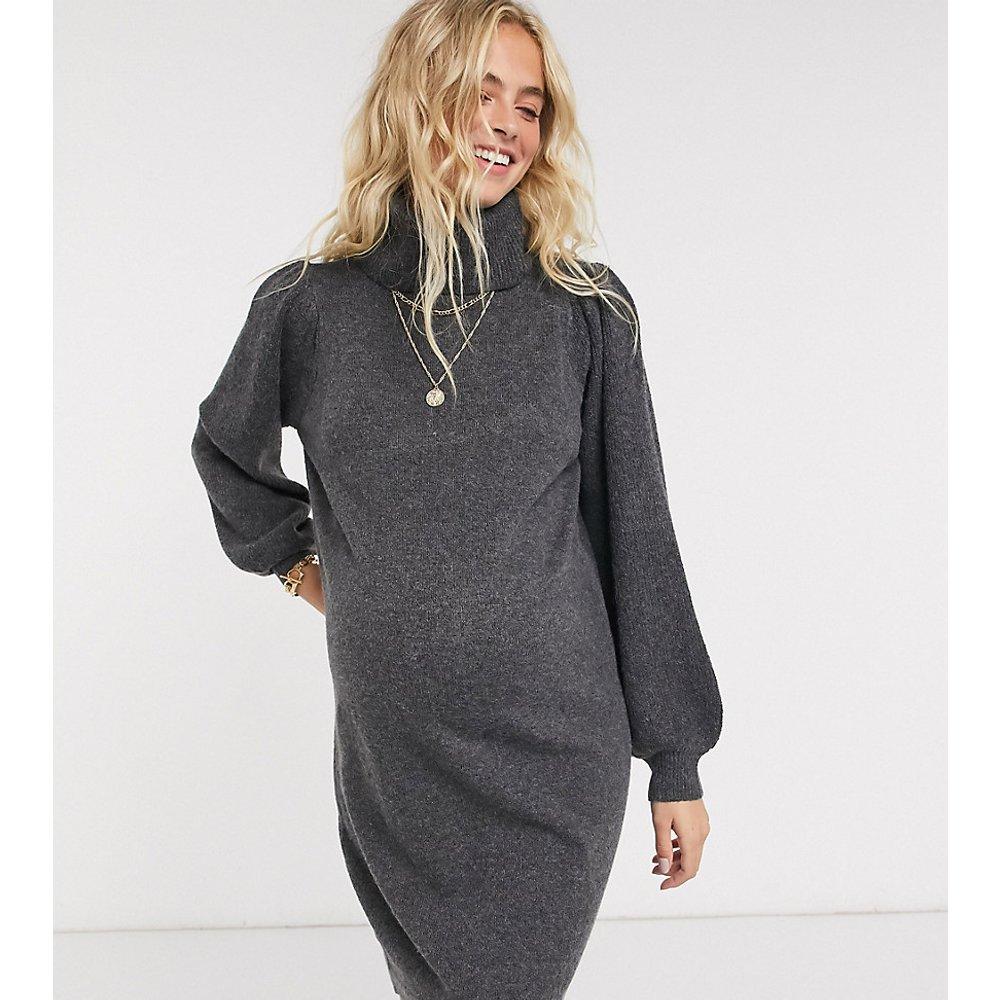 Pieces- Exclusivité - Robe pull de maternité à manches bouffantes et col montant - Gris foncé - Pieces Maternity - Modalova