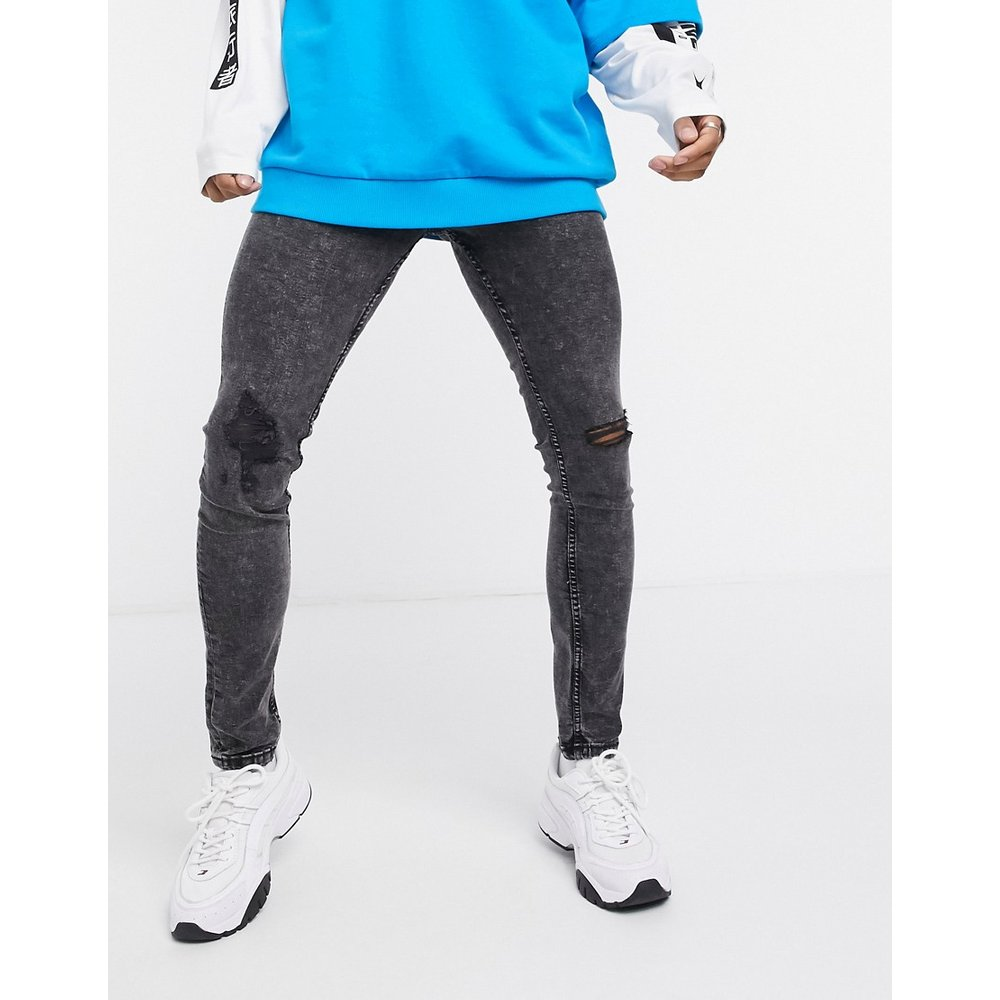 Jeans super skinny à déchirures - foncé - Pull&Bear - Modalova