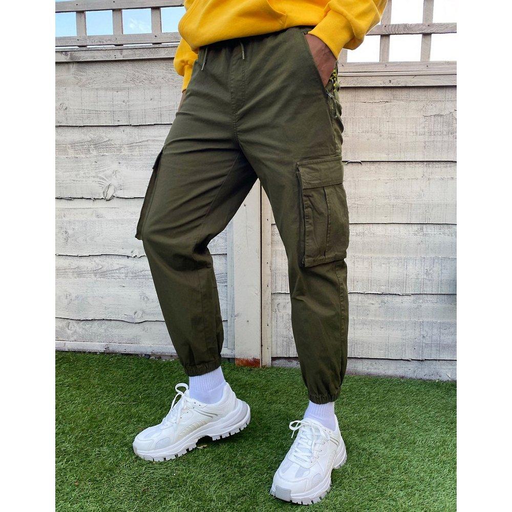 Pantalon cargo avec poches - kaki - Pull&Bear - Modalova