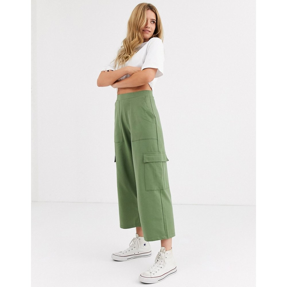 Pantalon fonctionnel avec poches - Kaki - Pull&Bear - Modalova