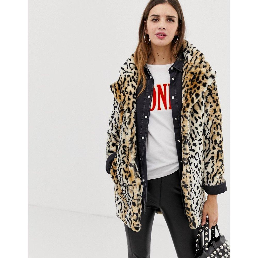 Manteau en fausse fourrure imprimé léopard - QED London - Modalova